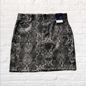 Apt. 9 Denim Mini Skirt Snake Print